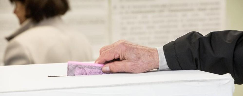 Urne aperte in 21 comuni dalle 7 alle 23 Ecco come si vota. Lo scrutinio in diretta