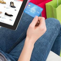 Estate, chi compra on line è meno attento Molte esche nel Web, non abboccate