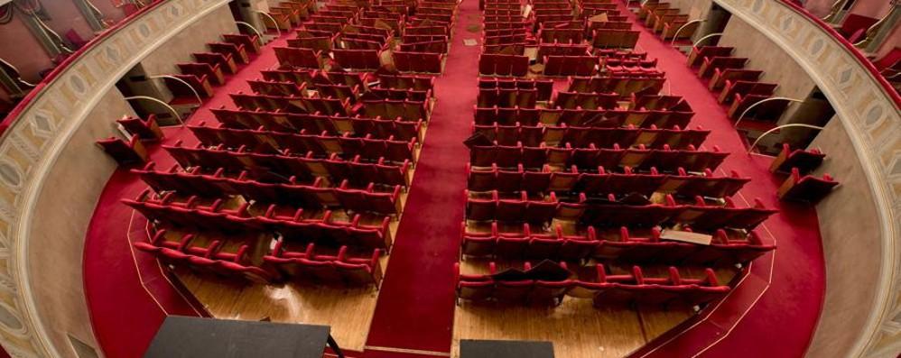 Teatro Le Sedie.Le 545 Poltrone Del Donizetti Vendute Ora Ci Sono Le Sedie