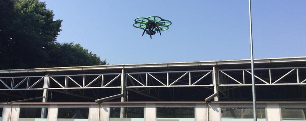 Un drone per scovare i tetti in eternit La sperimentazione parte da Bergamo