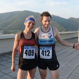 Di corsa per 16 piani a 36 gradi Bergamo domina a Brescia