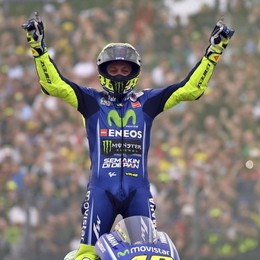 MotoGp, Rossi vince ad Assen Grande Italia: Dovizioso leader