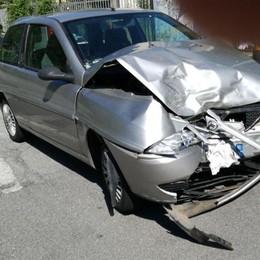 Ponte Nossa, auto contro moto - Video Elicottero trasporta 54enne in ospedale
