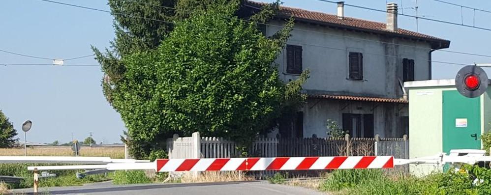 Guasto al passaggio a livello Ritardi sulla Bergamo-Brescia
