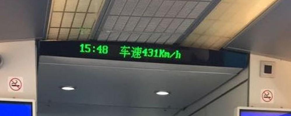 Un bergamasco sul treno a Shanghai «431 km/h, come il Bergamo-Milano»