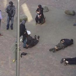 Attentati a Londra, 7 vittime e 48 feriti Nessun italiano coinvolto, 12 arresti