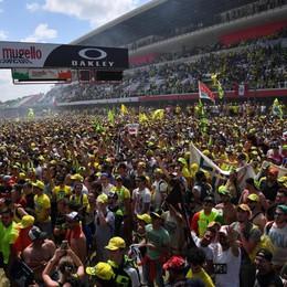Quando non c'è Rossi, c'è «rosso» Ducati Motociclismo, trionfo italiano al Mugello