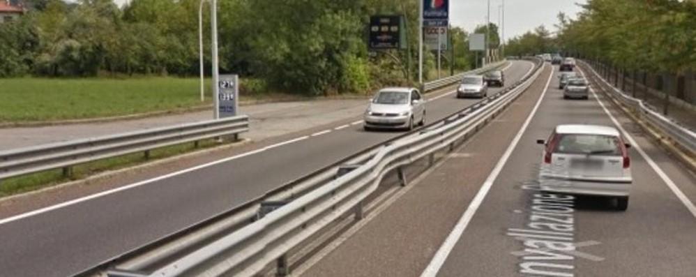 Circonvallazione, guard-rail danneggiati  Al via i lavori, attenzione alle  code