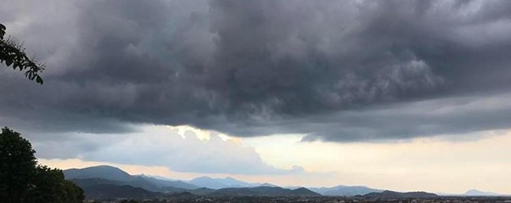 Meteo, forti temporali fino a martedì Nel week end torna il caldo africano