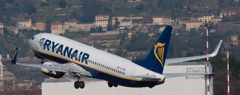Ryanair cerca ancora personale Appuntamento a Orio il 22 giugno