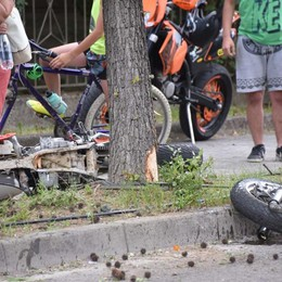 Bariano, moto contro un albero Grave 21enne soccorso dall'elicottero