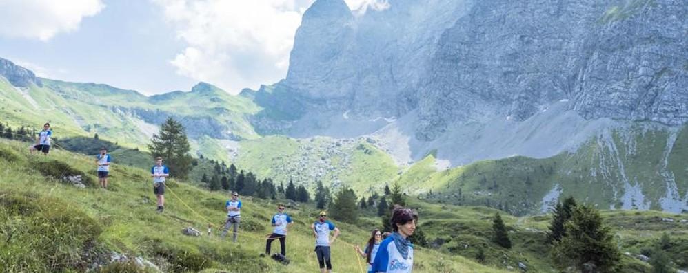 La forza del rispetto per la montagna Dopo l'Abbraccio zero rifiuti in giro