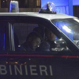 Si barrica in casa e minaccia i soccorritori Denunciato 47enne in preda a un raptus