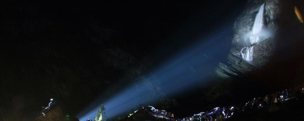 Le cascate del Serio by night Diretta Facebook su Eco ed Orobie