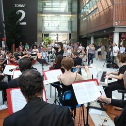 L'orchestra con «La nota in più» Quando la musica arriva al cuore