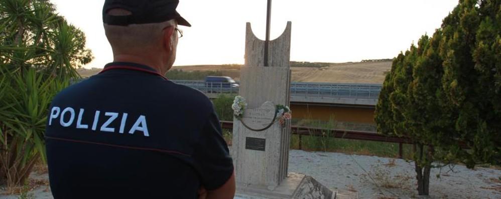 Danneggiata la stele del giudice Livatino Dedicata da associazione bergamasca