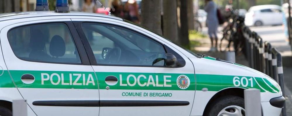 Graffi e pugni ad un agente di Polizia Arrestato spacciatore a Bergamo