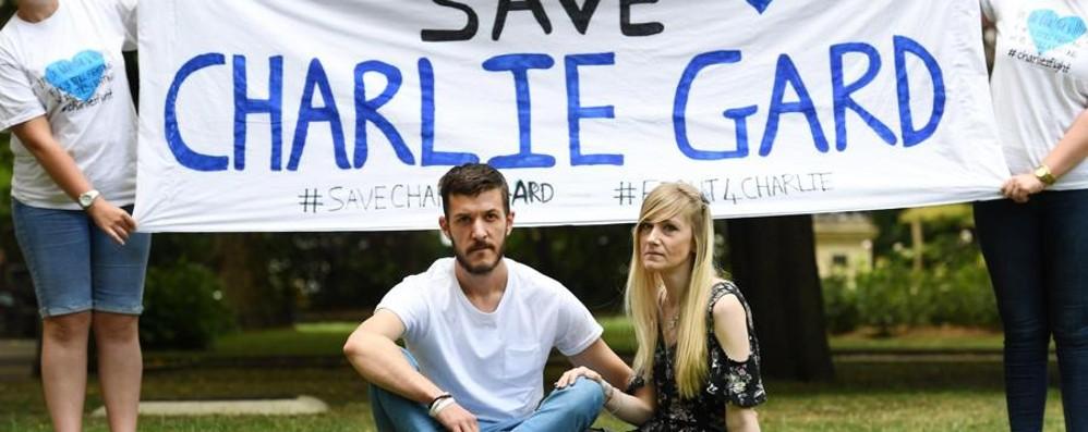 Cittadinanza americana a Charlie Il piccolo potrà curarsi negli Usa