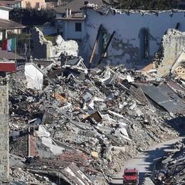 Amatrice come L'Aquila Al telefono ride dopo il sisma