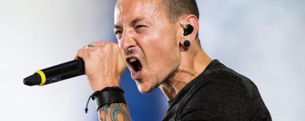 Mondo della musica in lutto Morto il cantante dei Linkin Park