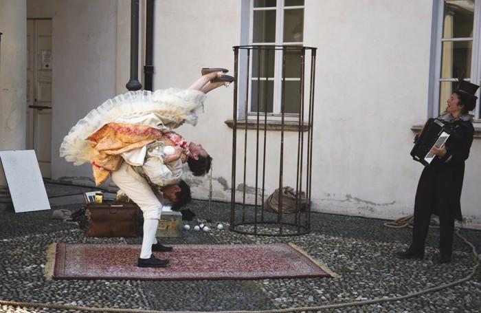 Opera Guitta di Associazione Longuel e Trio Trioche, sabato 22 luglio ad Azzano San Paolo per festival A levar l'ombra da terra