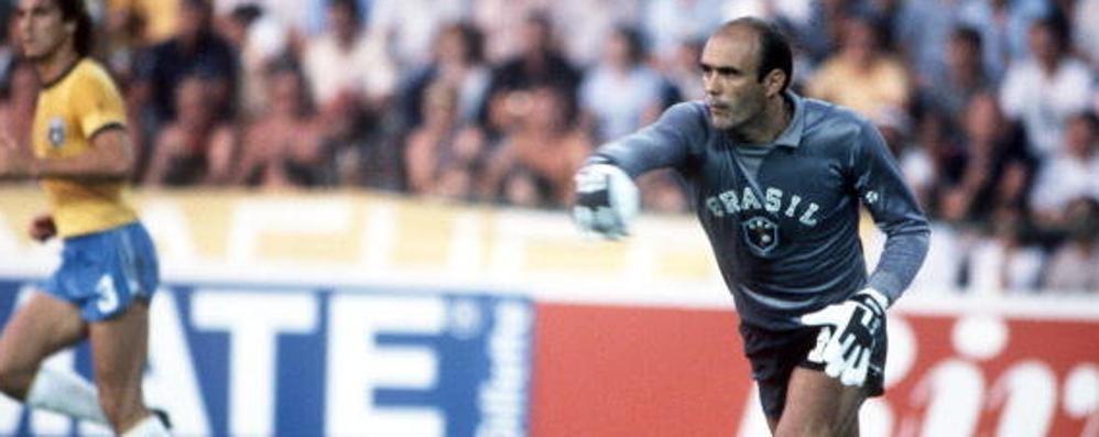 Addio al brasiliano Valdir Peres Prese 3 reti da Rossi nel 1982 - Video