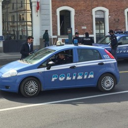Minacce di morte all'ex moglie e alla figlia La Polizia arresta 40enne a Treviglio
