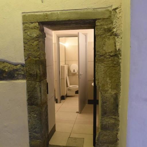 In piazza Vecchia la novità Arrivano i bagni pubblici - Bergamo ...