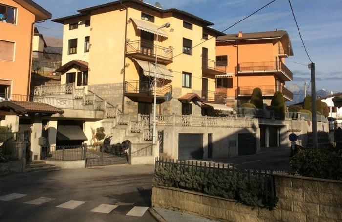 Abitazione di Laura Mappelli e Bortolo Rossi a Premolo