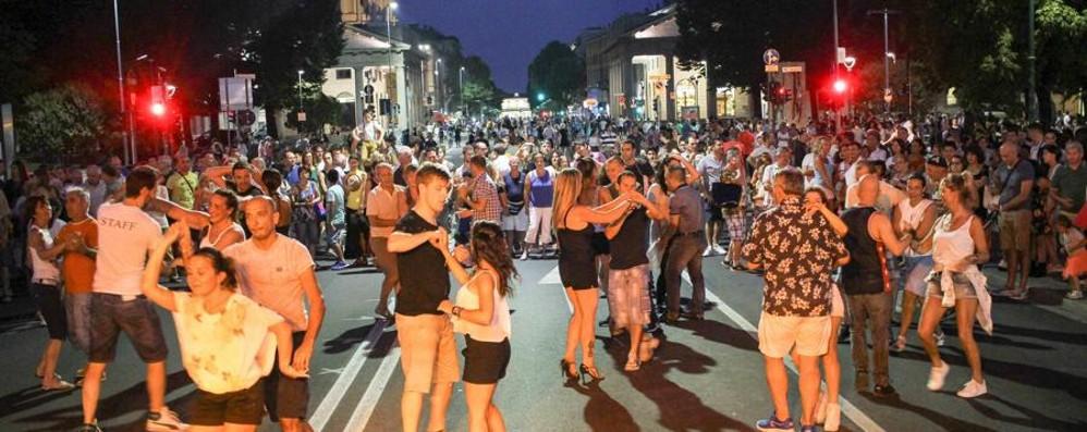 Giovedì Bergamo Balla - il video Chiuse alcune strade  - Il programma