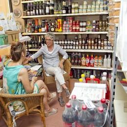 Bergamo, l'angolo di Marisa Se l'alimentari diventa un salotto