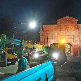 Chiusura di Porta Sant'Agostino Ecco le foto dei lavori, tanti i curiosi