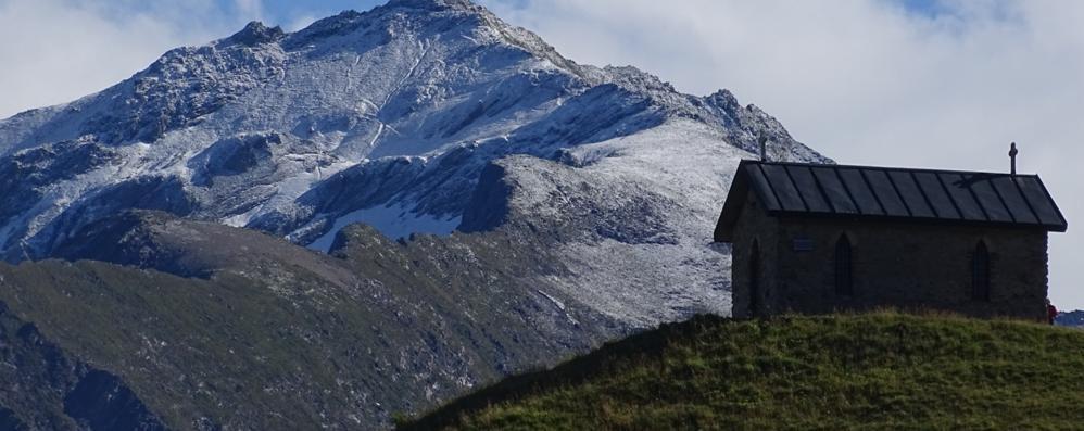 Ferragosto col sole (e un caldo giusto) Ma in Bergamasca c'è chi ammira la neve