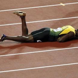 Bolt e il finale «thrilling» di carriera -Video Si infortuna nell'ultima gara ai Mondiali