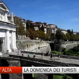 Città Alta, la domenica dei turisti