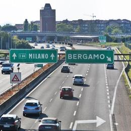 «In A4 limiti più bassi quando c'è smog» I sindaci lombardi scrivono al ministero
