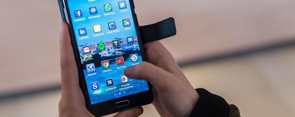 Android, nuovo sistema operativo  Il lancio con l'eclissi solare