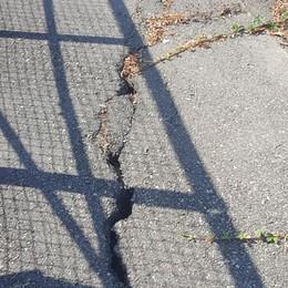 Allarme a Osio Sotto Crepe sulle rampe del ponte dell'A4