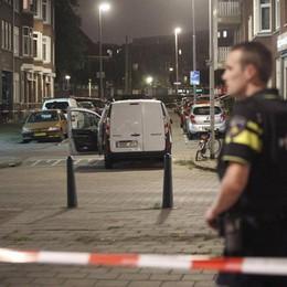 Bombole di gas dentro un furgoncino Paura a Rotterdam, concerto annullato