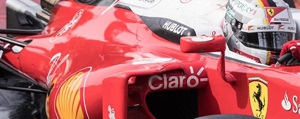 Formula 1, attesa per Monza I piloti sfilano sulle auto storiche