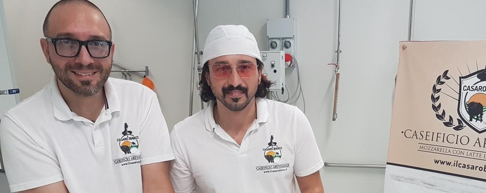 Bufala napoletana made in Bergamo La sfida (vinta) da due cugini di Casnigo