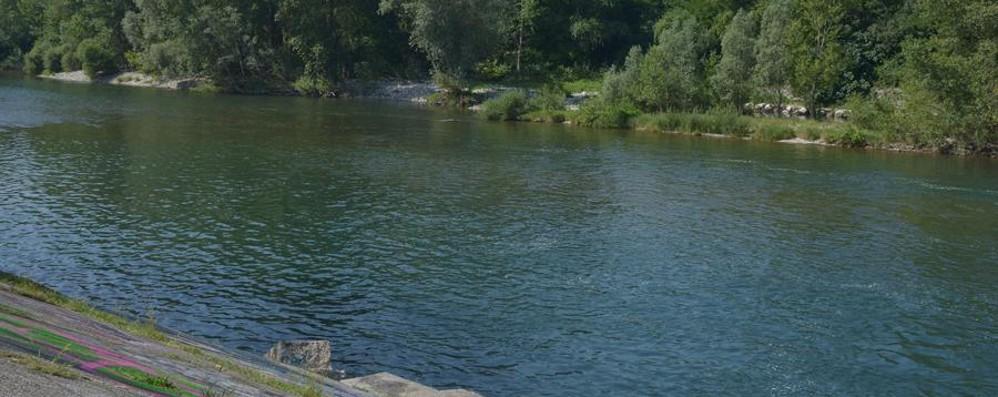 Si tuffa per un bagno nell'Adda - Video Muore annegato 46enne di Verdellino