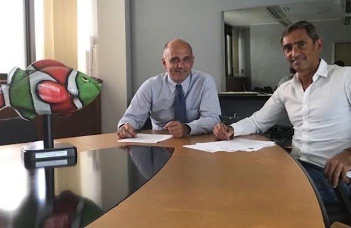 La firma tra Luca Percassi e Stefano Pompili