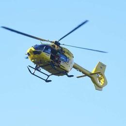 Precipita ultraleggero ad Angolo Terme Ferito il pilota, elisoccorso in azione