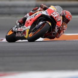 MotoGp, Marquez vince e allunga Valentino Rossi fuori dal podio: 4°