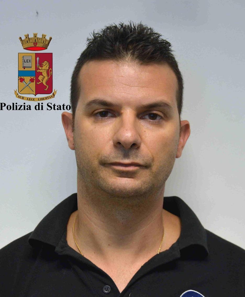 eDavide De Vita, il capo dei 15 pompieri volontari denunciati dalla procura.