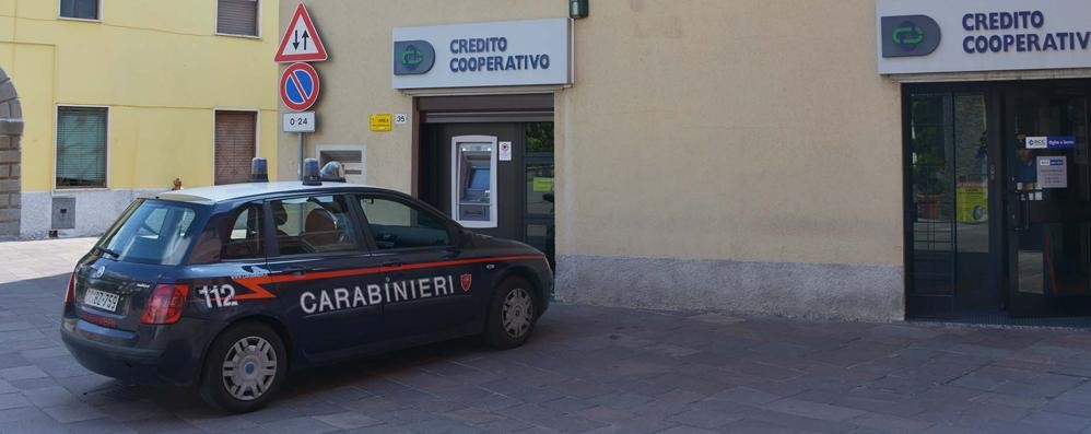 Colpo da 50mila euro in banca Anche una 13enne in ostaggio