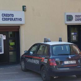 Cortenuova, rapina in banca Dipendenti rinchiusi in bagno