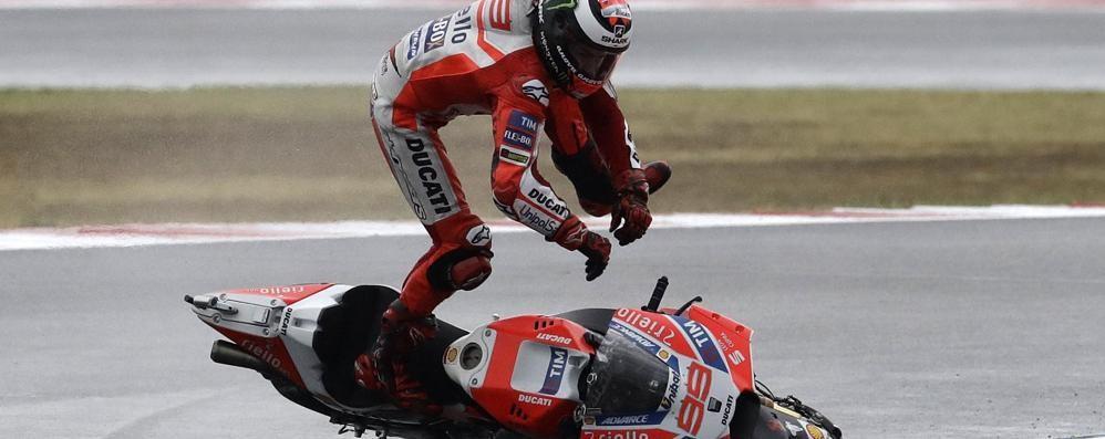 Motogp, Marquez re sotto la pioggia Secondo un grande Danilo Petrucci