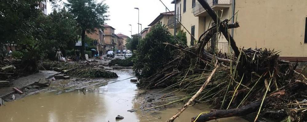 Camilla salvata dal papà nel fango Livorno piange le sue sette vittime